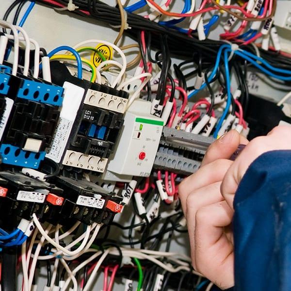 sistema-equipos-electrico-hiper-antena